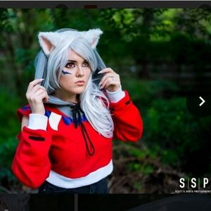 Sweaters - The kigu stop inuyasha cropped sweater.